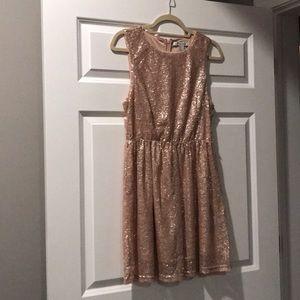 NWOT Express sequin rose gold cocktail dress-Med